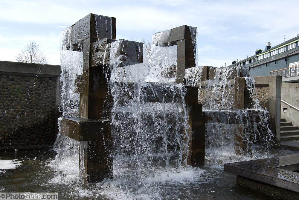 Public fountain on pier 59 at the Seattle Aquarium, Washington, USA.