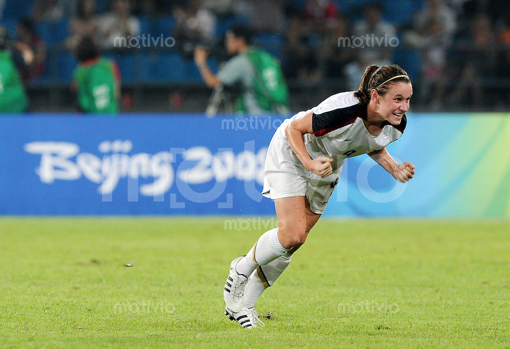 Olympia 2008  Peking  Fussball Halbfinale Frauen 18.08.2008 Japan - USA JUBEL USA,  Heather O Reilly
