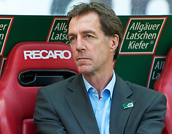 29.04.2011, Fritz-Walter Stadion, Kaiserslautern, GER, 1. FBL, 1.FC Kaiserslautern vs FC St. Pauli, im Bild Manager von St. Pauli, Helmut Schulte, EXPA Pictures © 2011, PhotoCredit: EXPA/ nph/  Roth       ****** out of GER / SWE / CRO  / BEL ******