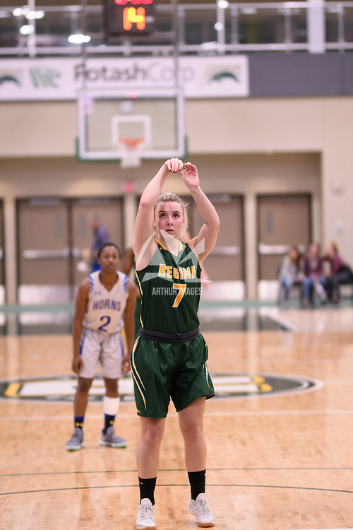 5th year guard Sara Hubenig (7) of the Regina Cougars during the Women's Basketball home game on November 25 at Centre for Kinesiology, Health and Sport. Credit: Casey Marshall/Arthur Images