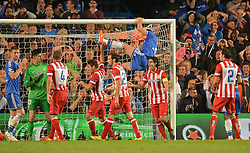 30.04.2014, Stamford Bridge, London, ENG, UEFA CL, FC Chelsea vs Atletico Madrid, Halbfinale, Rueckspiel, im Bild Chelsea's defender Branislav Ivanovic swings on the cross bar after a near miss // Chelsea's defender Branislav Ivanovic swings on the cross bar after a near miss during the UEFA Champions League Round of 4, 2nd Leg Match between Chelsea FC and Club Atletico de Madrid at the Stamford Bridge in London, Great Britain on 2014/05/01. EXPA Pictures &copy; 2014, PhotoCredit: EXPA/ Mitchell Gunn<br /> <br /> *****ATTENTION - OUT of GBR*****