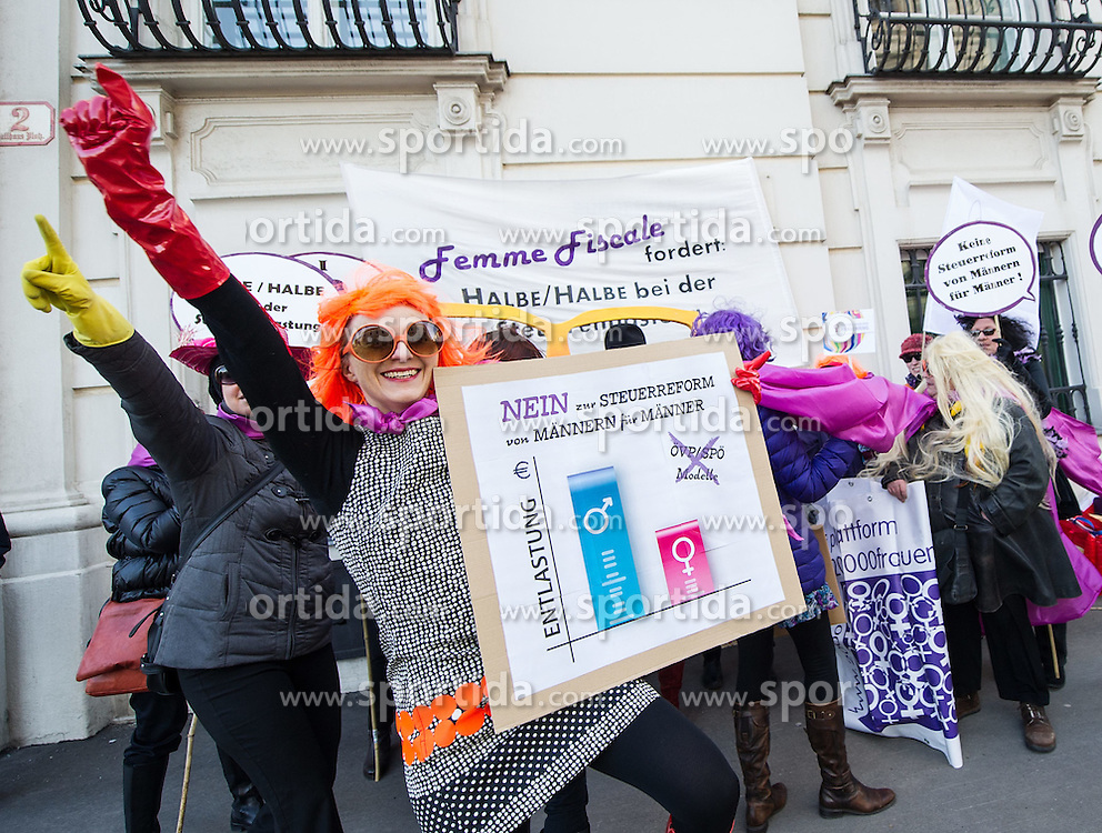 "03.03.2015, Ballahusplatz, Wien, AUT, Aktion Initiative ""Femme Fiscale"" zum Thema ""Halbe/ Halbe bei Steuerentlastung - statt einer Steuerreform von Männern für Männer!"" im Bild Demonstranten // demonstrators during demonstration according to women's day before council of ministers in front of federal chancellors office in Vienna, Austria on 2015/03/03, EXPA Pictures © 2015, PhotoCredit: EXPA/ Michael Gruber"