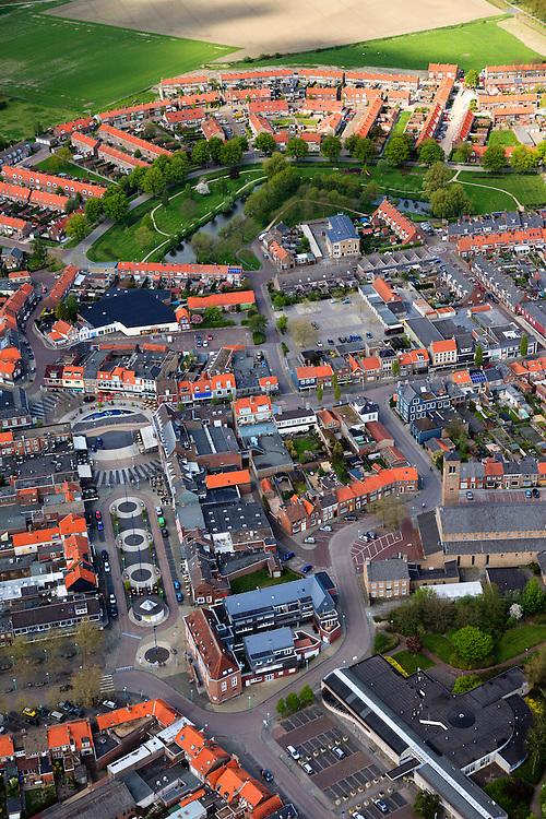Nederland, Zeeland, Gemeente Sluis, 09-05-2013;  Oostburg, hoofdplaats van de gemeente Sluis. In de voorgrond de Markt, in de achtergrond de Kroonwijk met gereconstrueerd bastion.<br /> Oostburg is tijdens de Tweede Wereldoorlog zwaar beschadigd en vrijwel geheel herbouwd (naoorlogs wederopbouwgebied). <br /> The village of Oostburg (Zeeland) is heavily damaged during World War II and almost completely rebuilt. A reconstructed bastion in the park (t). <br /> luchtfoto (toeslag op standard tarieven);<br /> aerial photo (additional fee required);<br /> copyright foto/photo Siebe Swart.