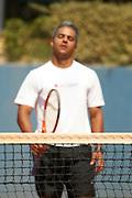 Belo Horizonte_MG, Brasil...Homem jogando tenis em Belo Horizonte, Minas Gerais...A man playing tennis in Belo Horizonte, Minas Gerais...Foto: BRUNO MAGALHAES / NITRO