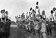 Ulster volunteers, armed and drilling preparatoy to forcibly rejecting Home Rule.
