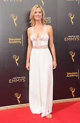 Beth Littleford bei den Creative Arts Emmy Awards in Los Angeles / 100916<br /> <br /> <br /> *** at the Creative Arts Emmy Awards in Los Angeles on September 10, 2016 ***