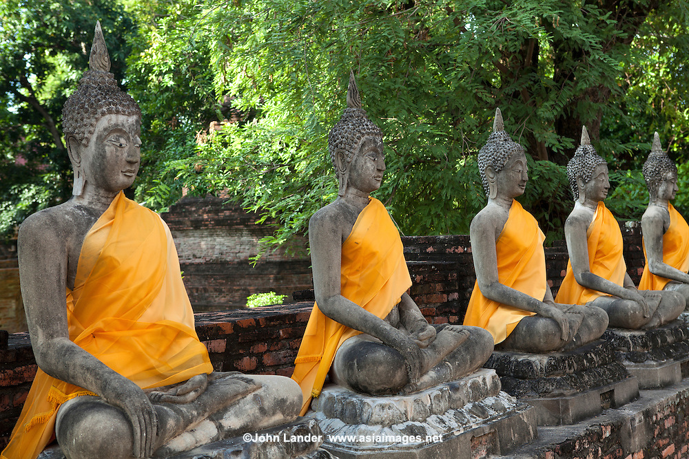 Wat Yai Chai Mongkhon or the Great Monastery of Auspicious Victory was also known by other names: Wat Pa Kaeo, Wat Chao Phraya Thai and Wat Yai Chaya Mongkhon.  The chedi of Wat Yai Chai Mongkhon is one of the landmarks of Ayutthaya.