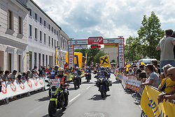 04.07.2017, Pöggstall, AUT, Ö-Tour, Österreich Radrundfahrt 2017, 2. Etappe von Wien nach Pöggstall (199,6km), im Bild Motorradstaffel // motobikes during the 2nd stage from Vienna to Pöggstall (199,6km) of 2017 Tour of Austria. Pöggstall, Austria on 2017/07/04. EXPA Pictures © 2017, PhotoCredit: EXPA/ Reinhard Eisenbauer