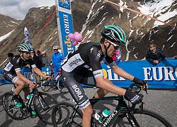 23.05.2017, Bormio, ITA, Giro d Italia 2017, 16. Etappe, Rovetta nach Bormio, im Bild v.l. Gregor Mühlberger (AUT, Bora - Hansgrohe), Patrick Konrad (AUT, Bora - Hansgrohe) // f.l. Gregor Mühlberger (AUT, Bora - Hansgrohe), Patrick Konrad (AUT, Bora - Hansgrohe) during the 16th stage of the 100th Giro d' Italia cycling race from Rovetta to Bormio, in Bormio Italy on 2017/05/23. EXPA Pictures © 2017, PhotoCredit: EXPA/ R. Eisenbauer