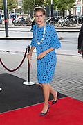 Prinses Beatrix  is aanwezig bij een concert van het European Union Youth Orchestra in Het Koninklijk Concertgebouw in Amsterdam.<br /> <br /> Princess Beatrix of the Netherlands is present at a concert of the European Union Youth Orchestra in the Royal Concertgebouw in Amsterdam.<br /> <br /> Loco burgemeester Simone Kukenheim