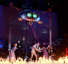 12 FEB 2016 War Of The Worlds Photo Call