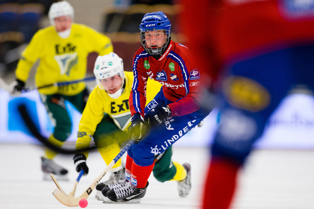 20121012 Bandy, World Cup, Bandy, World Cup, Edsbyns IF - Ljusdals BK: Felix Pherson, Edsbyn.© Michael Erichsen