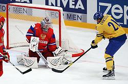 11.05.2012, Ericsson Globe, Stockholm, SWE, IIHF, Eishockey WM, Russland (RUS) vs Schweden (SWE), im Bild Sverige Sweden 21 Loui Eriksson is testing Russia 1 Goalkeeper Semyon Varlamov (Colorado Avalanche) // during the IIHF Icehockey World Championship Game between Russia (RUS) and Sweden (SWE) at the Ericsson Globe, Stockholm, Sweden on 2012/05/11. EXPA Pictures © 2012, PhotoCredit: EXPA/ PicAgency Skycam/ Morten Christensen..***** ATTENTION - OUT OF SWE *****