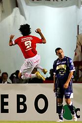 Fernandão (D) comemora no Estadio da Beira Rio, em Porto Alegre durante partida válida pela Copa Libertadores da America. Foto: Jefferson Bernardes/Preview.com