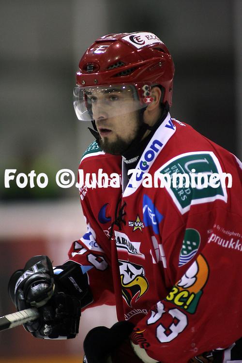 02.12.2009, Lemp??l?..J??kiekon Mestis 2009-10.Lemp??l?n Kisa - Vaasan Sport.Juha Salmu - Sport.©Juha Tamminen.