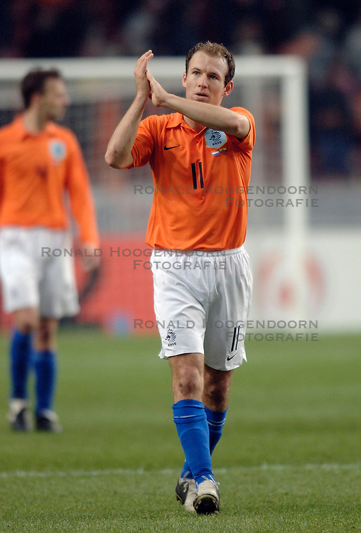 01-03-2006 VOETBAL: OEFENINTERLAND: NEDERLAND-ECUADOR: ARENA AMSTERDAM<br /> Nederland wint zeer moeizaam met 1-0 van Ecuador / Arjen Robben<br /> &copy;2006-WWW.FOTOHOOGENDOORN.NL