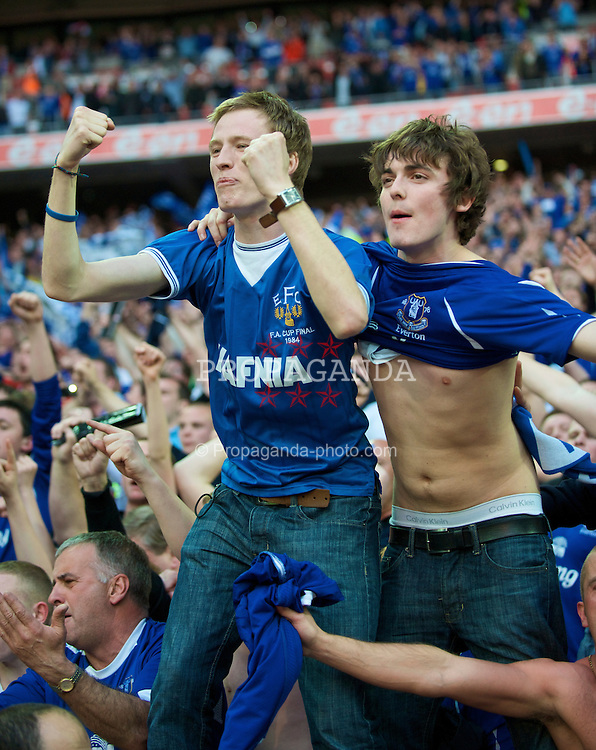 LONDON, ENGLAND - Sunday, April 19, 2009: Everton's supporters celebrate reaching the FA Cup final after beating Manchester United on penalties after extra time during the FA Cup Semi-Final match at Wembley. (Photo by David Rawcliffe/Propaganda)
