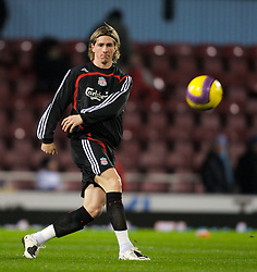 LONDON, ENGLAND - Wednesday, January 30, 2008: Liverpool's Fernando Torres warms-up before the Premiership match against West Ham United at Upton Park. (Photo by David Rawcliffe/Propaganda)