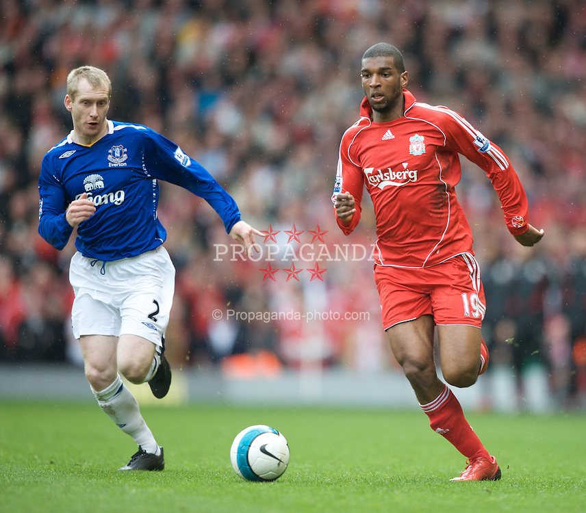 LIVERPOOL, ENGLAND - Sunday, March 30, 2008: Liverpool's Ryan Babel and Everton's Tony Hibbert during the 207th Merseyside derby, in the Premiership match at Anfield. (Photo by David Rawcliffe/Propaganda)