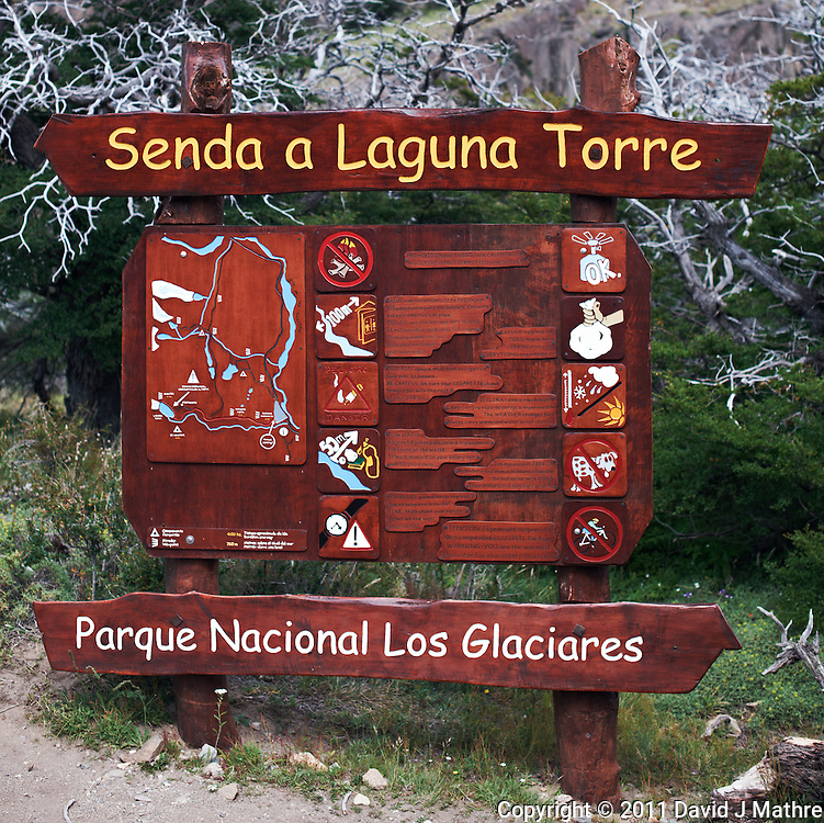 Senda a  Laguna Torre. Image taken with a Nikon D3x and 50 mm f/1.4G lens (ISO 100, f/4, 1/60 sec).