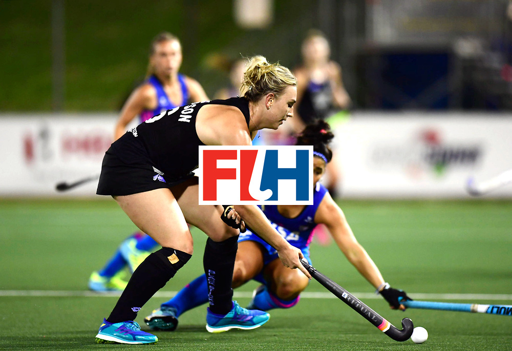 AUCKLAND - Sentinel Hockey World League final women<br /> Match id: 10304<br /> 14 ARG vNZL 1-2<br /> Foto: Maria Granatto duel with Liz Thompson <br /> WORLDSPORTPICS COPYRIGHT FRANK UIJLENBROEK