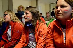 05-07-2014 NED: Iceland Diabetes Challenge dag 1, Landmannalaugar <br /> Vandaag ging de challenge van start. Met een bus gingen we van Vogar naar Landmannalaugar en zagen we de eerste tekenen van het prachtige landschap van IJsland / Voetbal kijken met Annet, Anne-Marie, Sabine