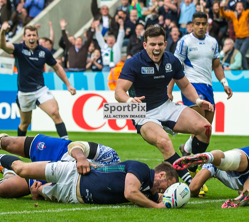 Greig Laidlaw scores for Scotland during the Rugby World Cup match between Scotland and Samoa (c) ROSS EAGLESHAM | Sportpix.co.uk
