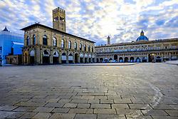 Dawn in the Piazza Maggiore, Bolgna, Italy<br /> <br /> (c) Andrew Wilson | Edinburgh Elite media