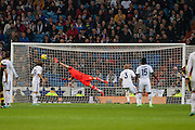 Iker Casillas stretched without consequences