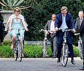 Willem-Alexander en Maxima op kasteel Duivenvoorde