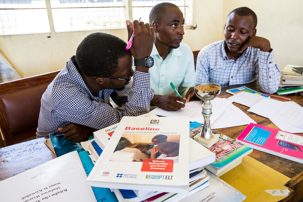 Teachers in discussions during a training session in the school to improve teaching methodologies in classrooms. Angaza school, Lindi, Tanzania