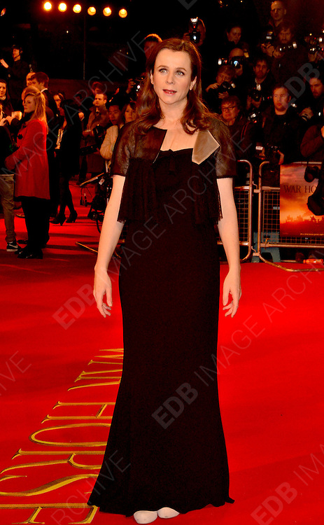 08.JANUARY.2012. LONDON<br /> <br /> EMILY WATSON ARRIVES AT THE WAR HORSE PREMIERE HELD AT THE ODEON LEICESTER SQUARE IN LONDON.<br /> <br /> BYLINE: EDBIMAGEARCHIVE.COM<br /> <br /> *THIS IMAGE IS STRICTLY FOR UK NEWSPAPERS AND MAGAZINES ONLY*<br /> *FOR WORLD WIDE SALES AND WEB USE PLEASE CONTACT EDBIMAGEARCHIVE - 0208 954 5968*