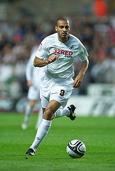 SWANSEA, WALES - Monday, May 15, 2011: Swansea City's Darren Pratley in action against Nottingham Forest during the Football League Championship Play-Off Semi-Final 2nd Leg match at the Liberty Stadium. (Photo by David Rawcliffe/Propaganda)