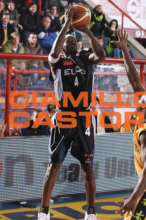 DESCRIZIONE : Porto San Giorgio Lega A1 2006-07 Premiata Montegranaro Eldo Napoli <br /> GIOCATORE : Sesay <br /> SQUADRA : Eldo Napoli <br /> EVENTO : Campionato Lega A1 2006-2007 <br /> GARA : Premiata Montegranaro Eldo Napoli <br /> DATA : 18/02/2007 <br /> CATEGORIA : Tiro<br /> SPORT : Pallacanestro <br /> AUTORE : Agenzia Ciamillo-Castoria/G.Ciamillo <br /> Galleria : Lega Basket A1 2006-2007 <br />Fotonotizia : Porto San Giorgio Campionato Italiano Lega A1 2006-2007 Premiata Montegranaro Eldo Napoli <br />Predefinita :
