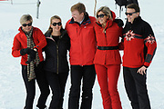 Fotosessie met de koninklijke familie in Lech /// Photoshoot with the Dutch royal family in Lech .<br /> <br /> Op de foto / On the photo: Koningin Maxima, Koning Willem Alexander, Prins Constantijn, Prinses Laurentien , Prinses Mabel ///// Queen Maxima, King Willem Alexander, Prince Constantijn, Prinsess Laurentien and Prinses Mabel