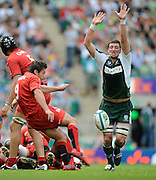 Twickenham, GREAT BRITAIN, Exiles', Declan DANAHER, attempts to charge down, Bryon KELLEHERS clearance kick, during the Heineken, Semi Final, Cup Rugby Match,  London Irish vs Toulouse, at the Twickenham Stadium on Sat 26.04.2008 [Photo, Peter Spurrier/Intersport-images]
