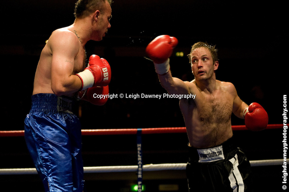 Gavin Putney v Danny Dontchev at Watford Colusseum 29 November 2009 Promoter Mickey Helliet, Hellraiser Promotions: Credit: ©Leigh Dawney Photography