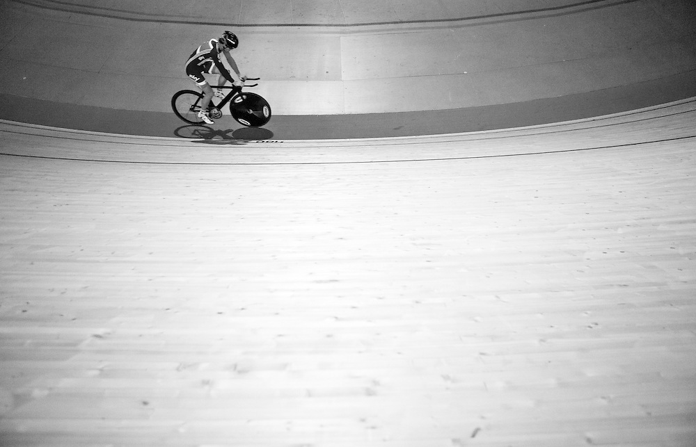 Ben Swift on the track training for the Olympic pursuit in Palma, Mallorca