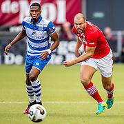 ZWOLLE - 18-09-2016, PEC Zwolle - AZ, MAC3park Stadion, 0-2, PEC Zwolle speler Kingsley Ehizibue, AZ speler Ron Vlaar