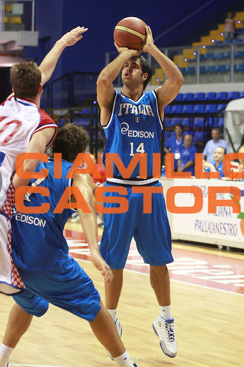 DESCRIZIONE : Biella  Trofeo Internazionale Angelico Nazionale Maschile Italia Croazia<br /> GIOCATORE : Bruno Cerella<br /> SQUADRA : Italia<br /> EVENTO : Trofeo Internazionale Angelico Nazionale Maschile Italia Croazia<br /> GARA : Italia Croazia<br /> DATA : 20/06/2009 <br /> CATEGORIA : Tiro Three Points<br /> SPORT : Pallacanestro <br /> AUTORE : Agenzia Ciamillo-Castoria/S.Ceretti