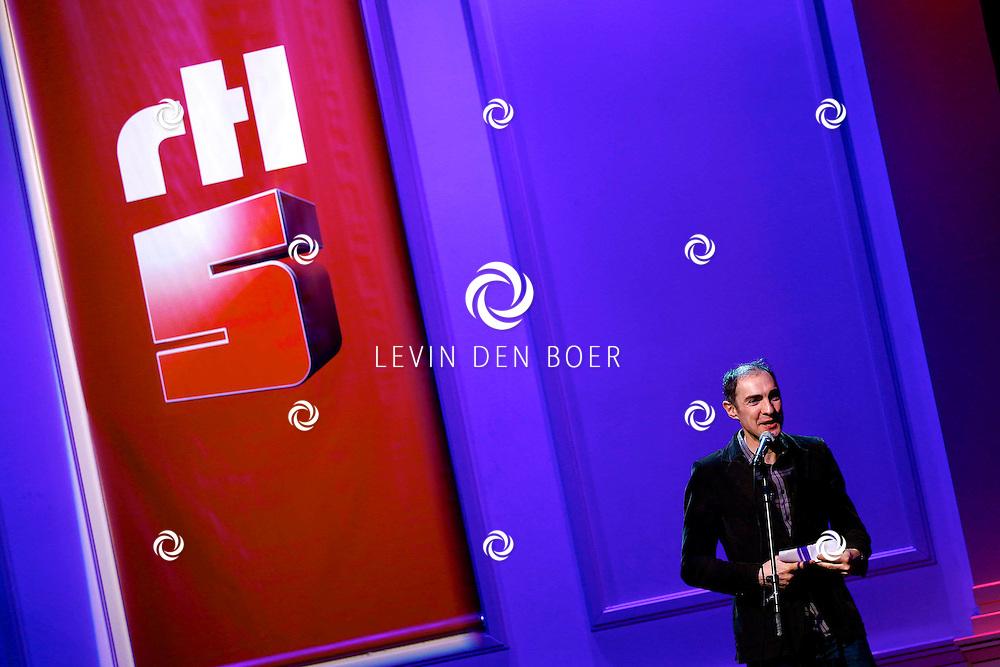 HILVERSUM - In Studio21 hield RTL5 de perspresentatie van hun nieuwe dagelijkse soap 'Malaika'.  Met op de foto regisseur Johan Nijenhuis. FOTO LEVIN DEN BOER - PERSFOTO.NU