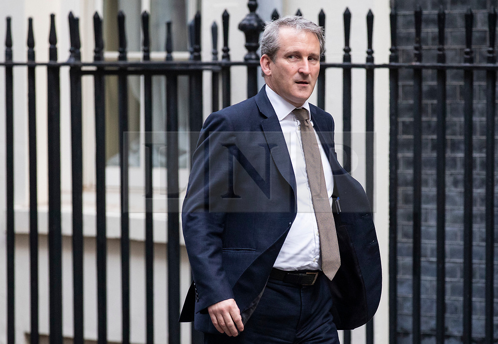 © Licensed to London News Pictures. 16/10/2018. London, UK. Education Secretary Damian Hinds arrives on Downing Street for the Cabinet meeting. Prime Minister Theresa May faces a possible rebellion from members of the Cabinet over her plans for Brexit. Photo credit: Rob Pinney/LNP
