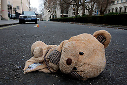UK ENGLAND LONDON 25DEC05 - Ripped up teddy bear lies on the road at Carloton House Terrace in central London during Christmas Day morning.. . jre/Photo by Jiri Rezac. . © Jiri Rezac 2005. . Contact: +44 (0) 7050 110 417. Mobile: +44 (0) 7801 337 683. Office: +44 (0) 20 8968 9635. . Email: jiri@jirirezac.com. Web: www.jirirezac.com. . © All images Jiri Rezac 2005 - All rights reserved.