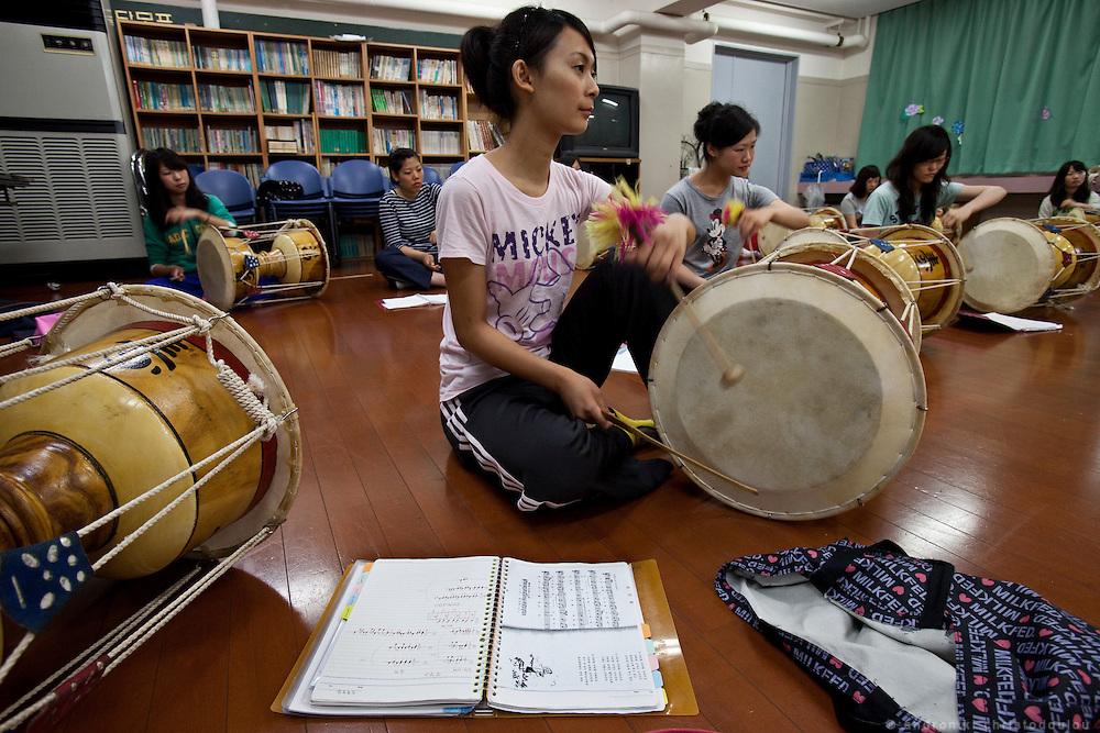 Korean drum class