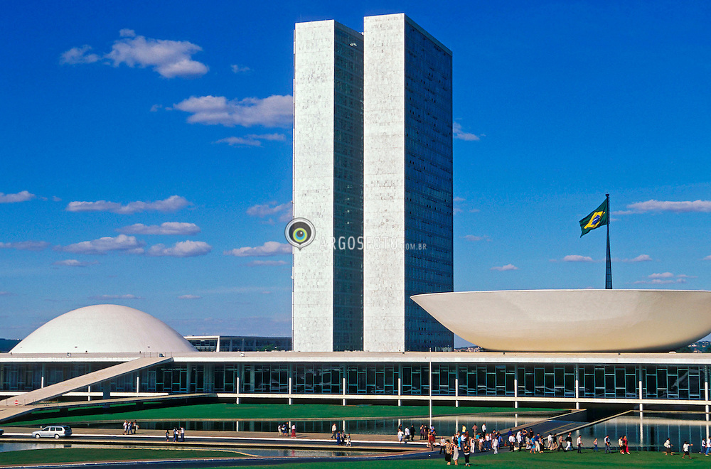 Brasilia, Distrito Federal, Brasil. Agosto/2004.Congresso Nacional/ National Congress in Brasilia, the capital city of Brazil, located in the Brazilian Federal District. UNESCO has declared Brasília a World Heritage Site. The building was designed by Oscar Niemeyer.foto: Marcos Issa