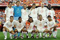 Fotball<br /> Euro 2004<br /> Portugal<br /> 26. juni 2004<br /> Foto: Pro Shots/Digitalsport<br /> NORWAY ONLY<br /> Kvartfinale<br /> Sverige v Nederland <br /> Lagbilde Nederland<br /> Bak : van nistelrooij nistelrooy , van der sar , van der meyde , cocu , stam , seedorf . <br /> Foran: robben , reiziger , davids , frank de boer en van bronckhorst