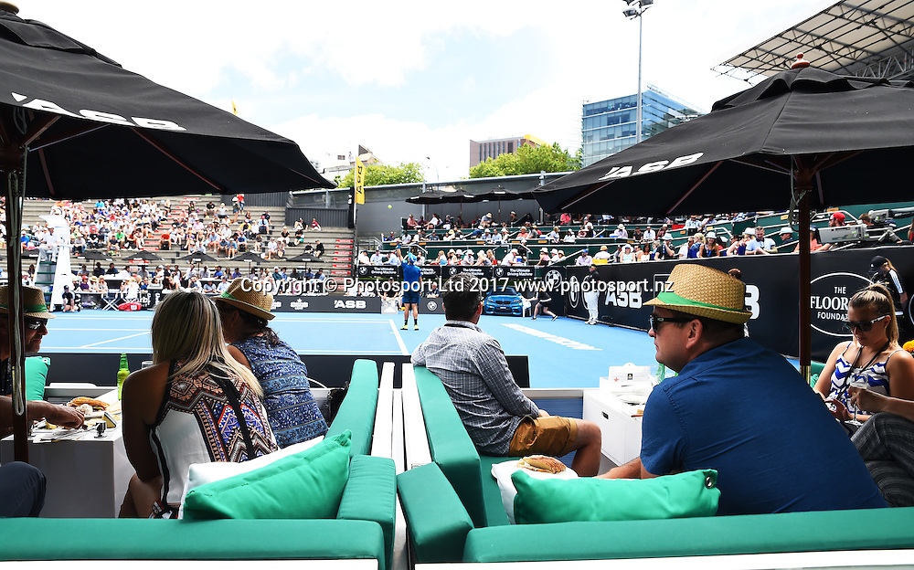 Fans court side during the ASB Classic ATP Mens Tournament Day 1. ASB Tennis Centre, Auckland, New Zealand. Monday 9 January 2017. ©Copyright Photo: Chris Symes / www.photosport.nz