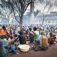 27/09/2013. Bossangoa. Republique Centrafricaine. L'évêché de Bossangoa accueil des milliers de réfugiés pris en étau entre les différentes bandes armées qui combattent dans la région. ©Sylvain Cherkaoui/Cosmos