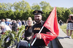 May 9, 2018 - Berlin, Germany - Ivan and Lora from Moscow pose for a picture on the 73rd anniversary of the victory of the Soviet Red Army over Nazi Germany at the Soviet World War II cemetery and memorial in Treptow on May 9, 2018 in Berlin, Germany. (Credit Image: © Emmanuele Contini/NurPhoto via ZUMA Press)