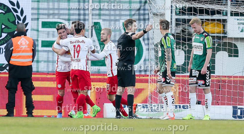 19.02.2017, Keine Sorgen Arena, Ried, AUT, 1. FBL, SV Guntamatic Ried vs Red Bull Salzburg, 22. Runde, im Bild Jubel zum 0:1 durch Jonatan Soriano (FC Red Bull Salzburg) // during the Austrian Football Bundesliga 22th Round match between SV Guntamatic Ried and Red Bull Salzburg at the Keine Sorgen Arena in Ried, Austria on 2017/02/19. EXPA Pictures © 2017, PhotoCredit: EXPA/ Roland Hackl
